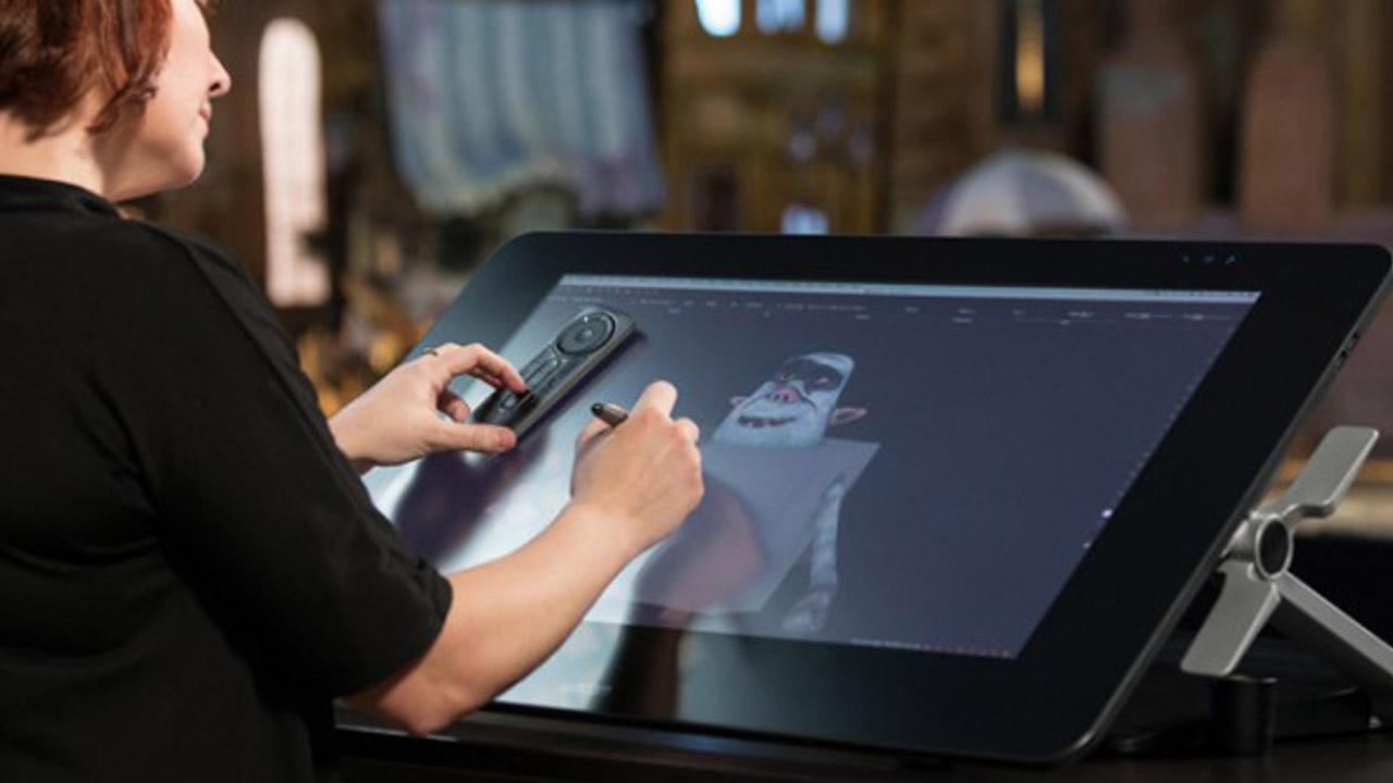 Wacom Cintiq Pro 32, il display professionale per progetti ampi e ambiziosi thumbnail