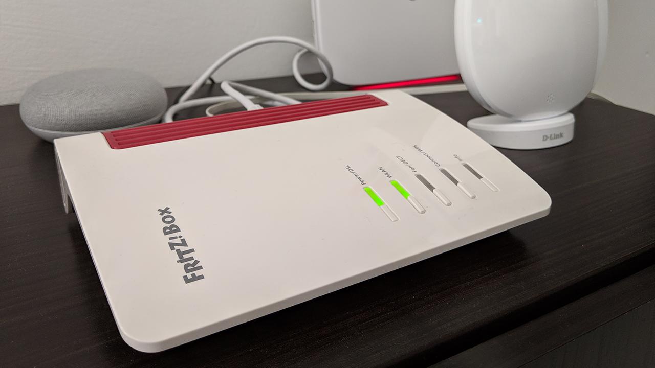 Recensione AVM Fritz!Box 7530: il modem router di cui non potrete più fare a meno thumbnail