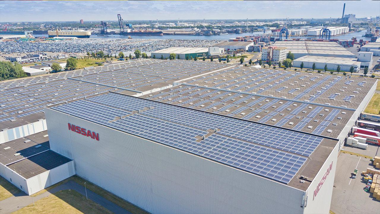 Nissan e le energie rinnovabili: arriva il più grande tetto solare condiviso dei Paesi Bassi thumbnail
