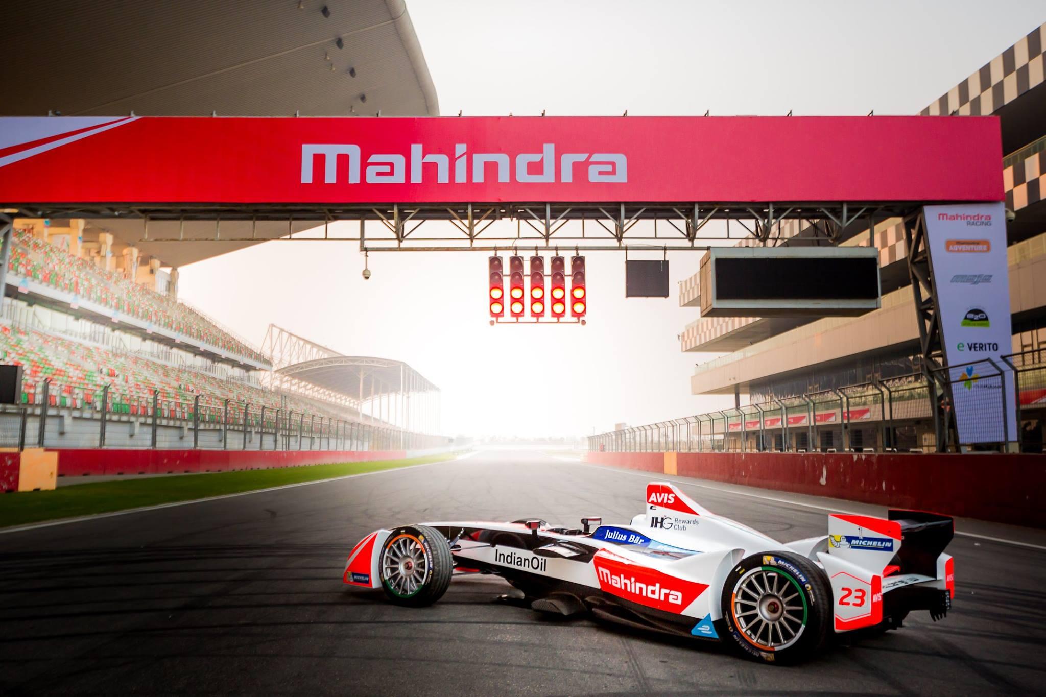 Formula E: comincia a Riad la nuova stagione thumbnail
