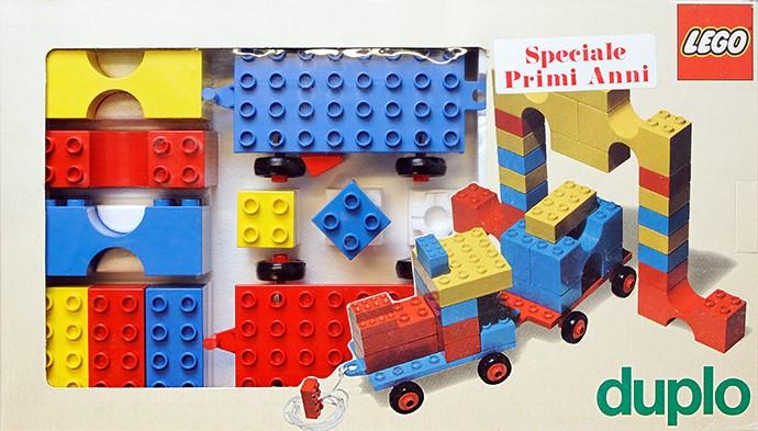 LEGO Duplo festeggia i suoi primi 50 anni thumbnail