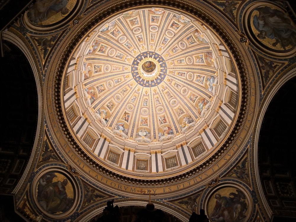 Nuova luce per la Basilica di San Pietro: ecco l'impianto creato da OSRAM