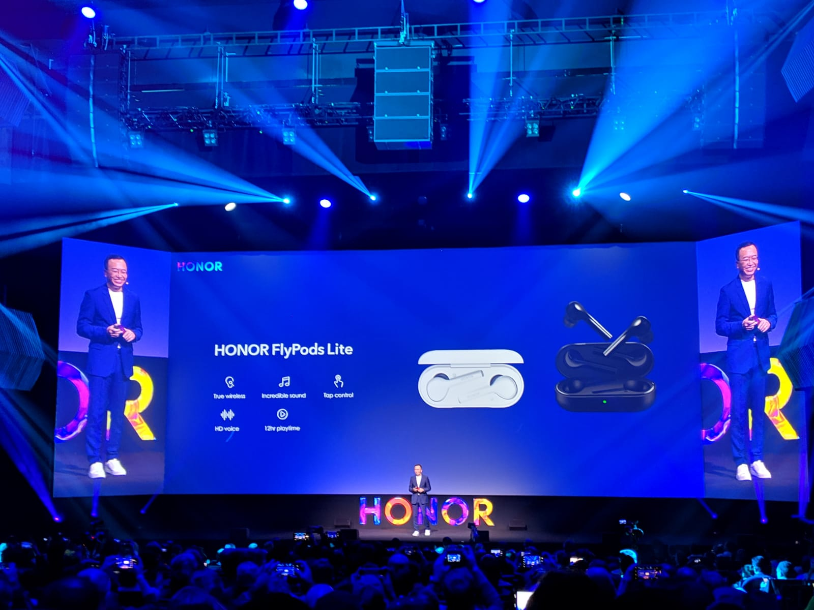 """Honor FlyPods Lite: arrivano le cuffiette wireless """"economiche"""" thumbnail"""