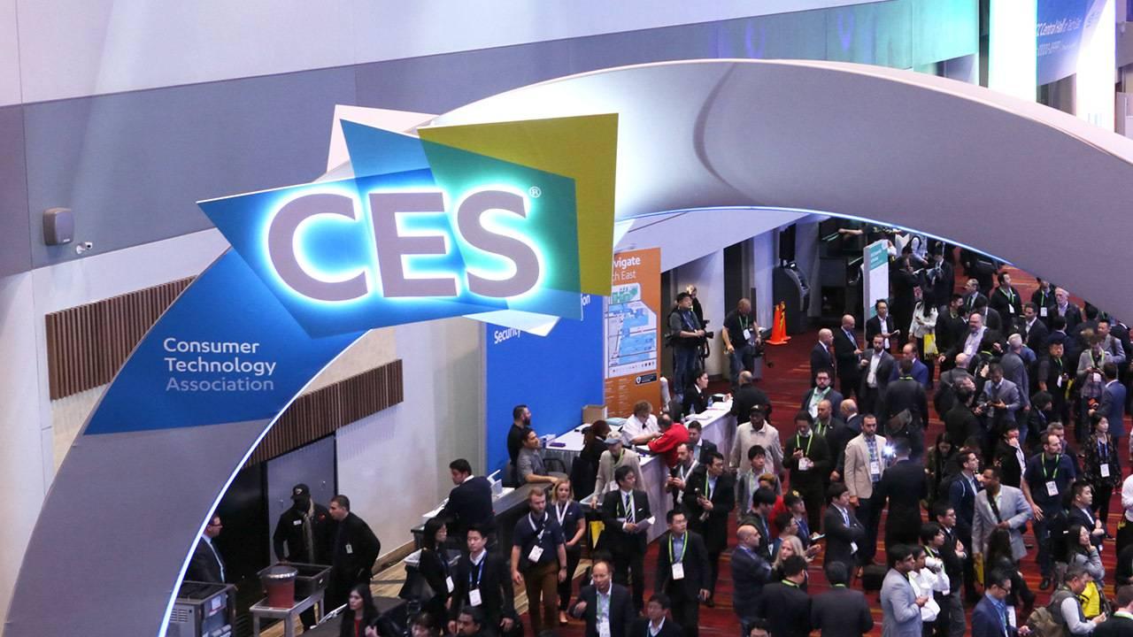LG Styler: la rivoluzione del concetto della cura dei capi al CES 2019 thumbnail
