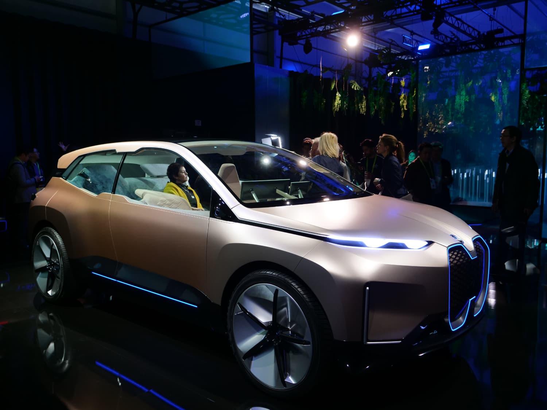 BMW Vision iNEXT, un assistente personale smart e molto altro | CES 2019 thumbnail