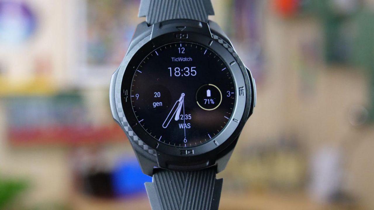 Recensione TicWatch S2: la resistenza di uno sportwatch e la comodità di Wear OS thumbnail
