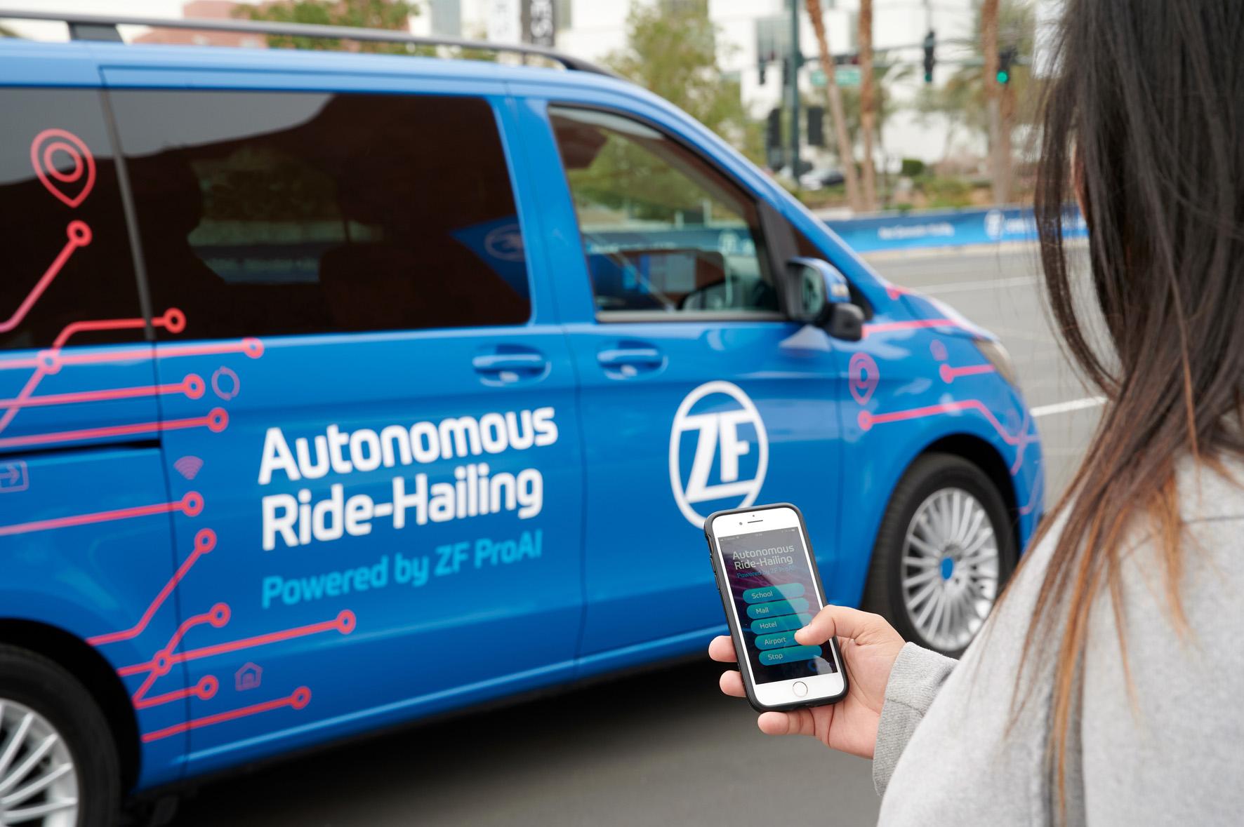 ZF ProAI RoboThink: la guida autonoma è alle porte | CES 2019 thumbnail