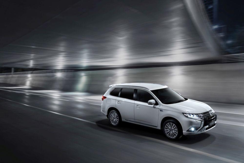 Mitsubishi Outlander PHEV è il SUV ibrido più venduto in Europa