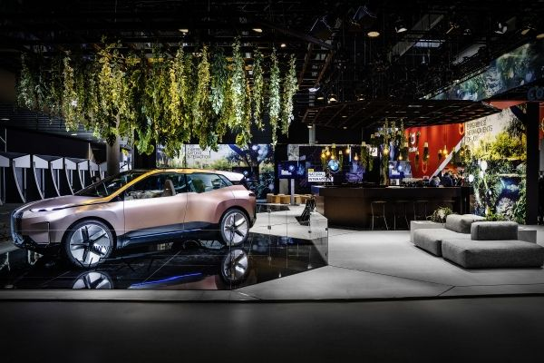 BMW Natural Interaction: automobili a portata di mano | MWC 2019 thumbnail
