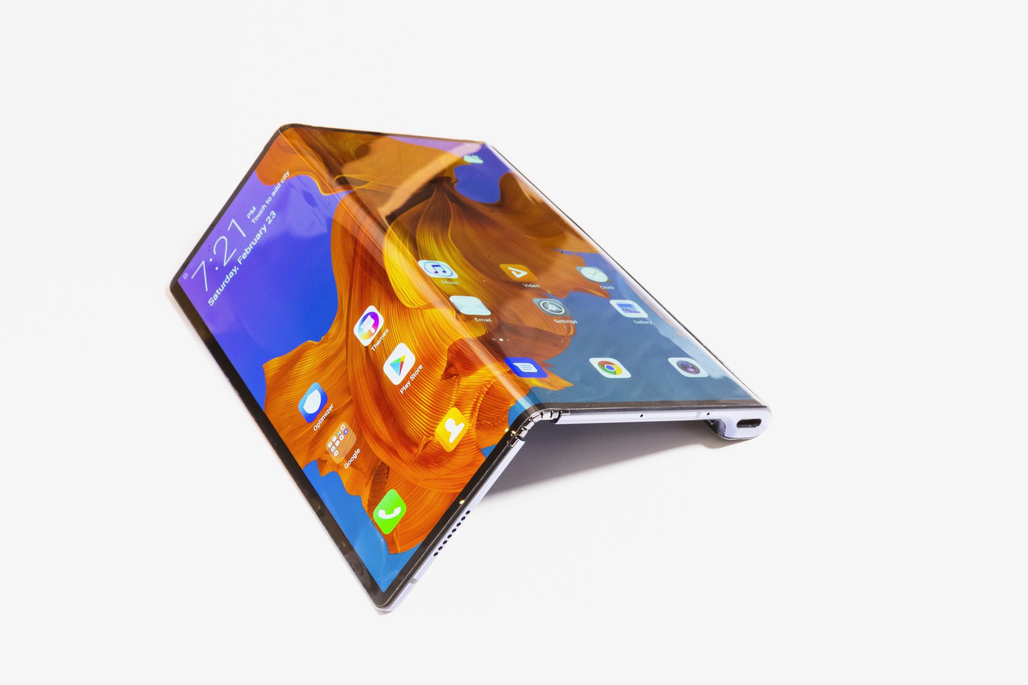 Huawei pieghevole: Mate X ufficiale. Ecco tutto quello che dovete sapere thumbnail