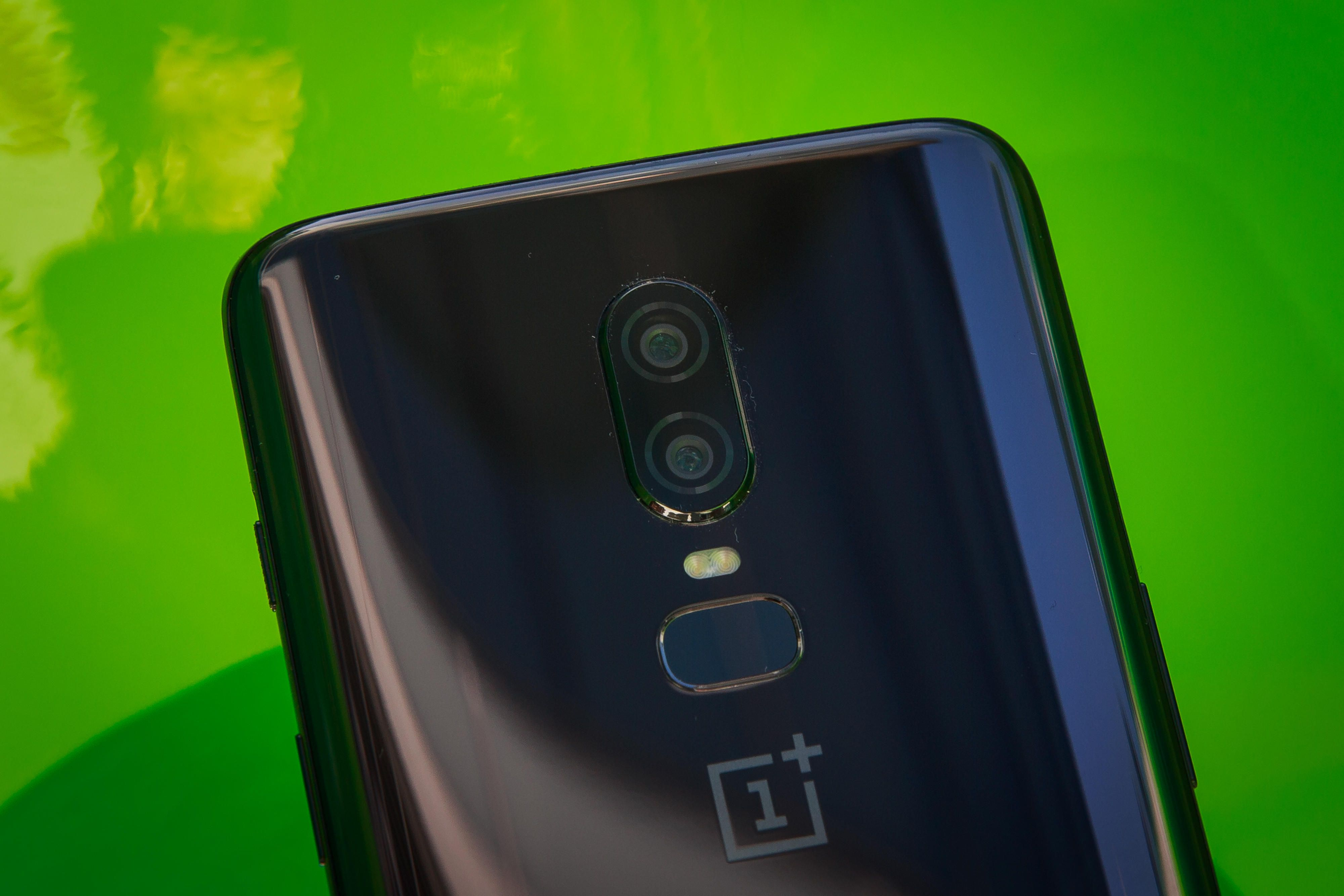 OnePlus entra nella classifica degli smartphone di fascia alta più venduti thumbnail