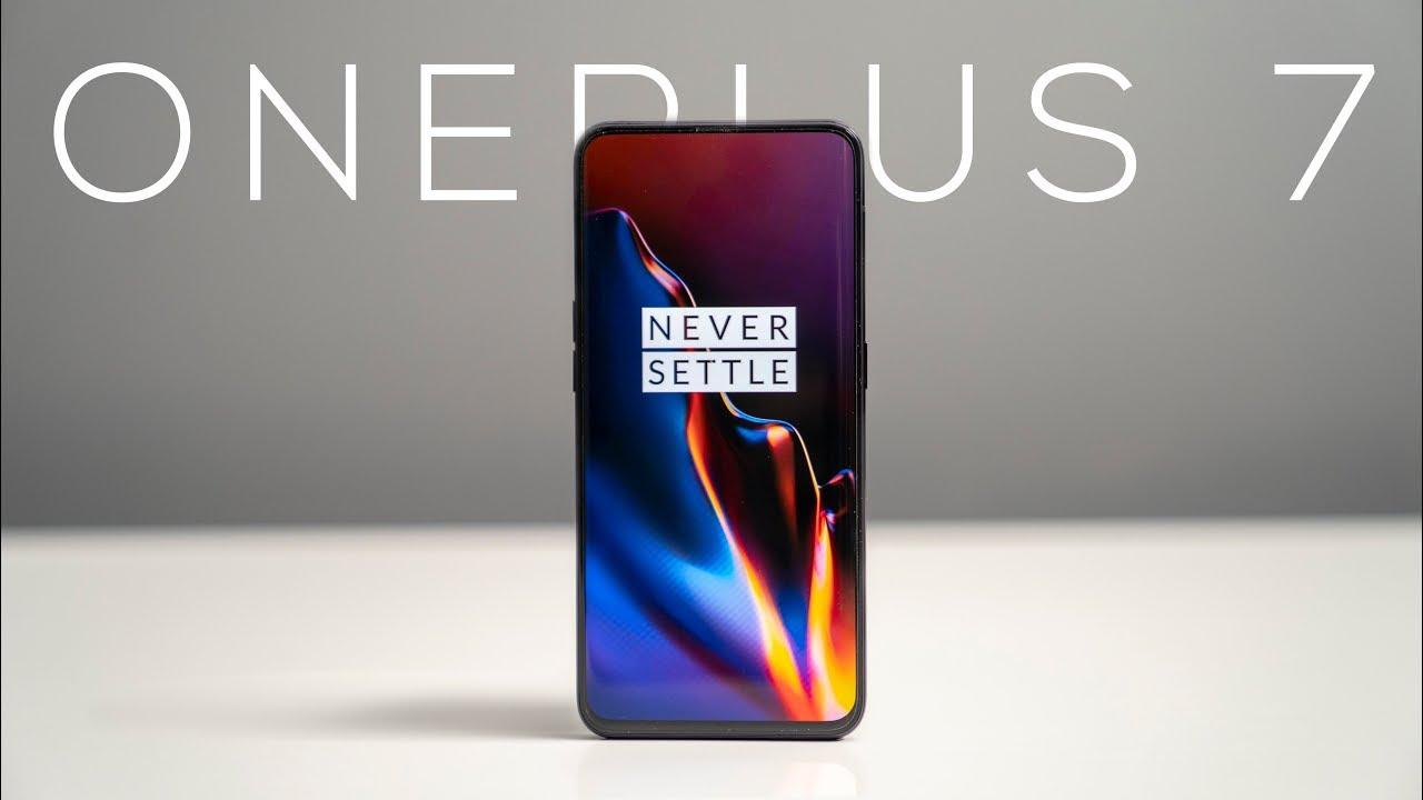 OnePlus 7: trapelano immagini online sul nuovo modello thumbnail