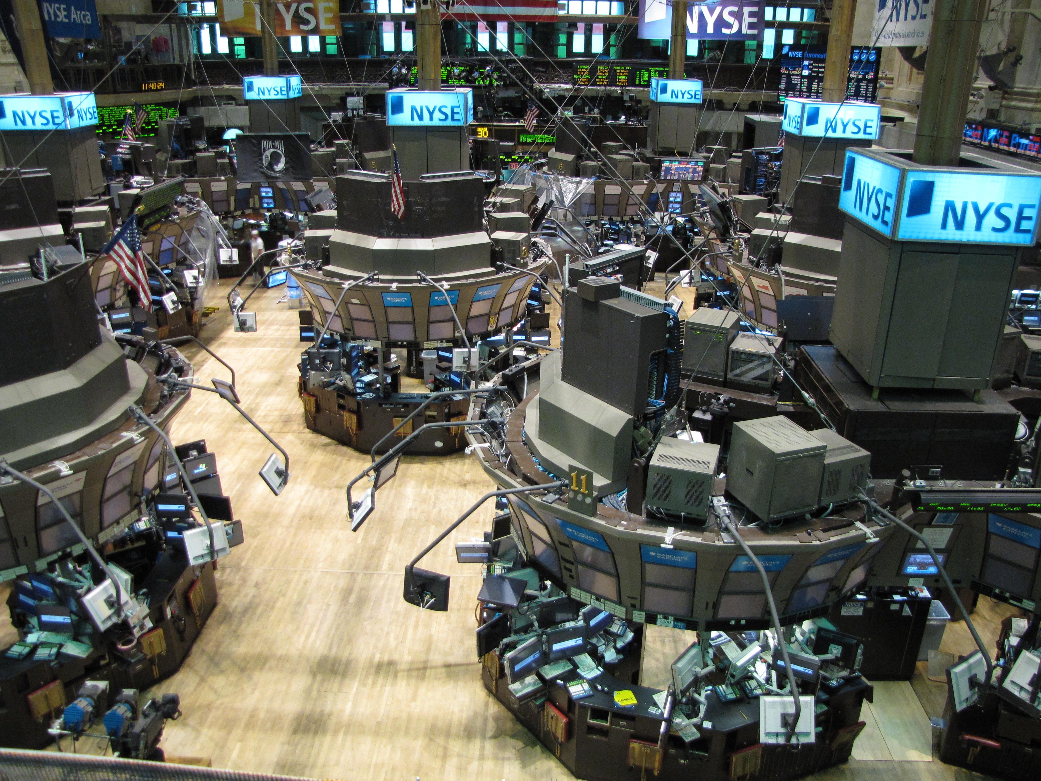 Borsa, ecco quali sono i titoli hi-tech su cui poter investire thumbnail