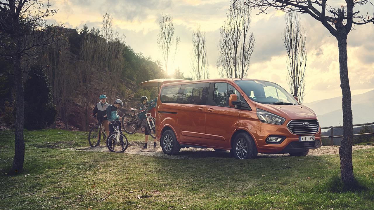 Ford Tourneo Custom ancora più efficiente con la tecnologia Mild Hybrid thumbnail