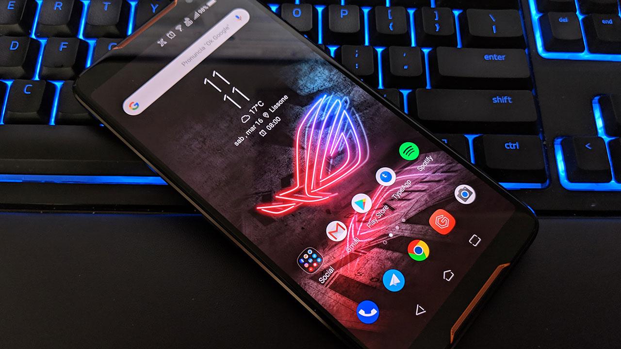 Asus ROG Phone: a cosa serve un gaming phone? thumbnail