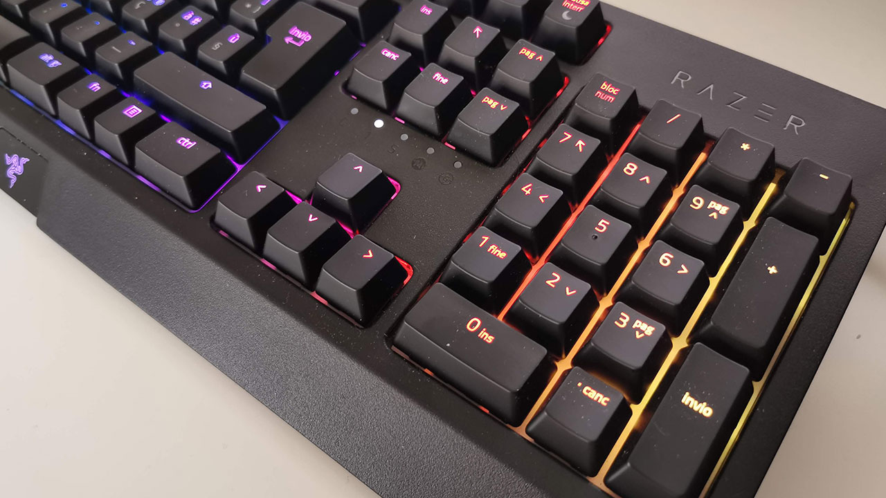 Recensione Razer BlackWidow 2019: una tastiera per videogiocatori, ma non solo thumbnail