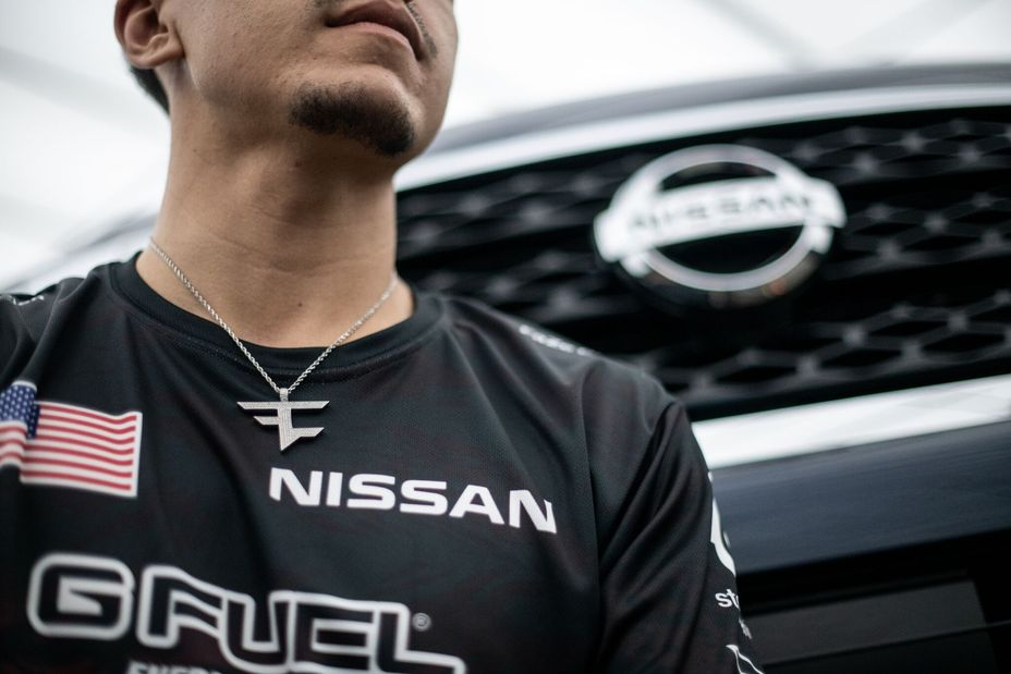 Nissan in partnership con i team eSport FaZe Clan e OpTic Gaming thumbnail