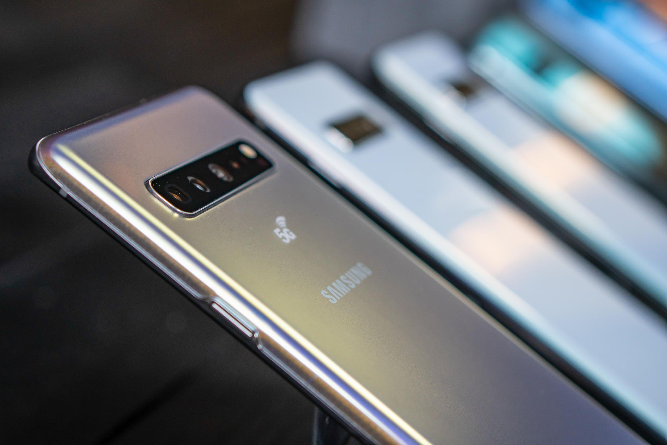 Samsung Galaxy S10 5G prende fuoco: il racconto di utente di Naver Cafè thumbnail