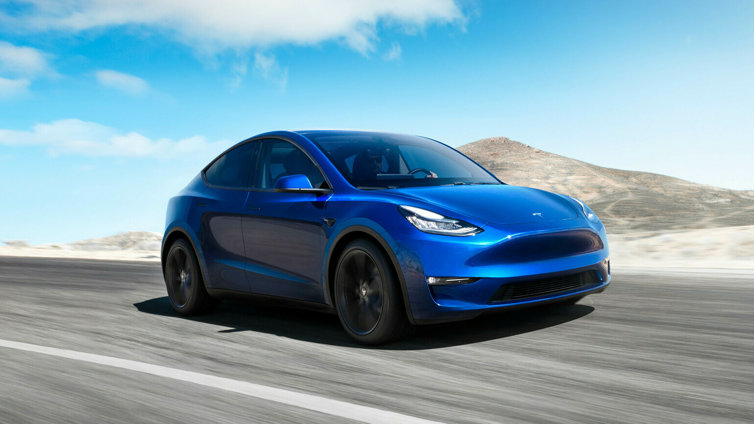 Tesla Model Y: rivelate le immagini del crossover coupé thumbnail