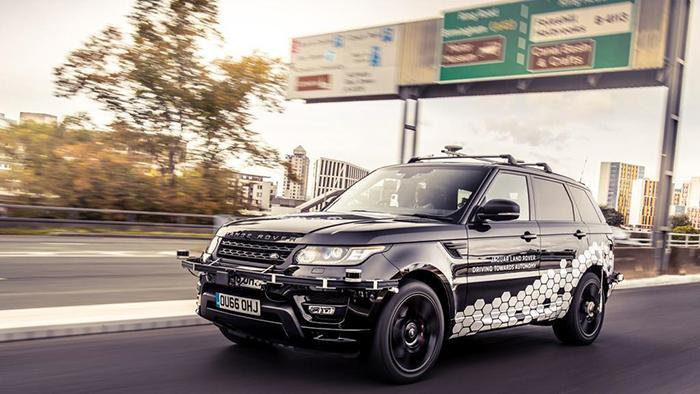 Jaguar Land Rover: programmatori teenager per i veicoli del futuro thumbnail