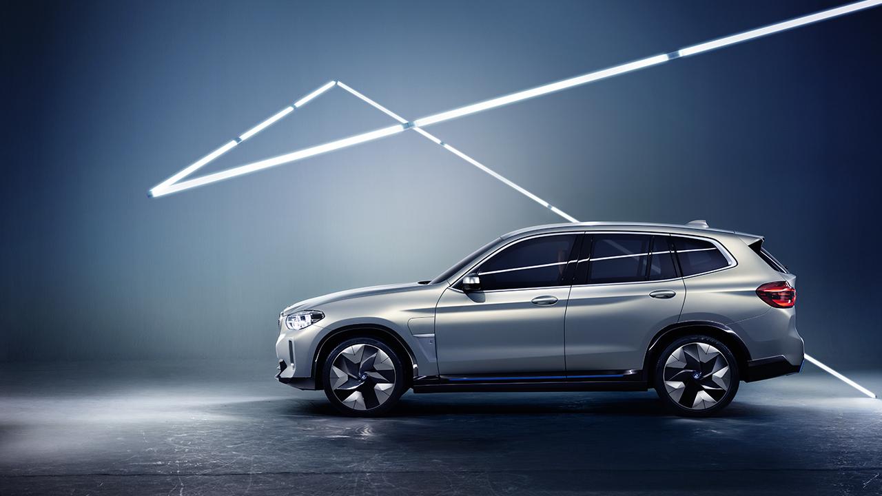 """BMW: dal 9 al 14 aprile a Milano per la """"Rivoluzione BluE"""" thumbnail"""