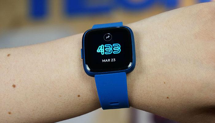 Recensione Fitbit Versa Lite: il wearable che si prende cura di voi thumbnail
