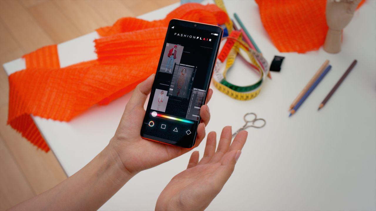 Fashion Flair: la collezione di moda co-creata dall'AI di Huawei thumbnail