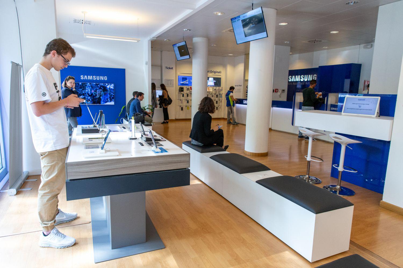 Centro assistenza Samsung Milano: cosa succede davvero nei centri riparazione? thumbnail