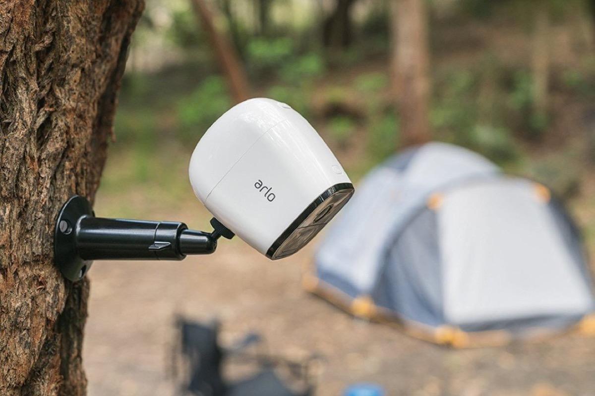 Arlo Go: la videocamera perfetta per vacanze più sicure ovunque thumbnail