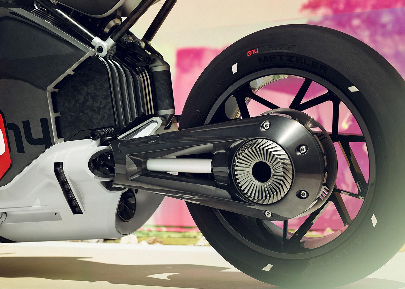 BMW Vision DC Roadster: il concept della moto elettrica dell'azienda tedesca thumbnail