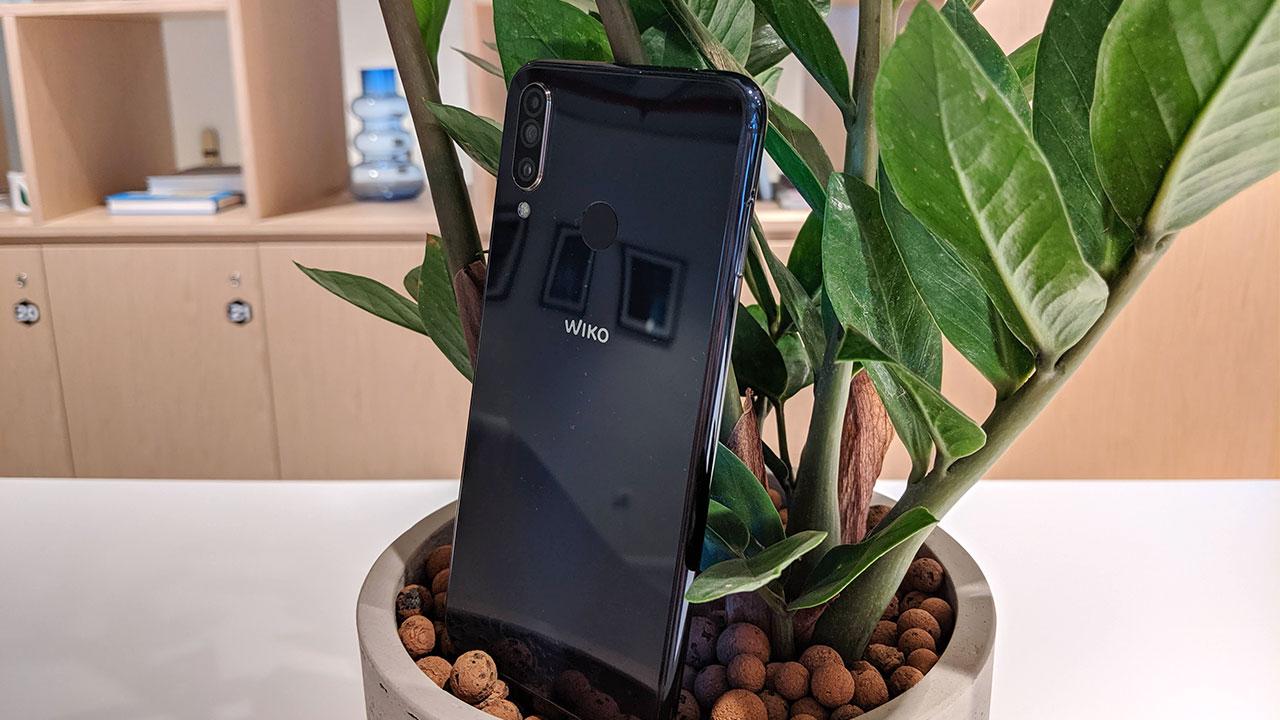 Recensione Wiko View 3: lo smartphone con 2 giorni di autonomia (reali) thumbnail