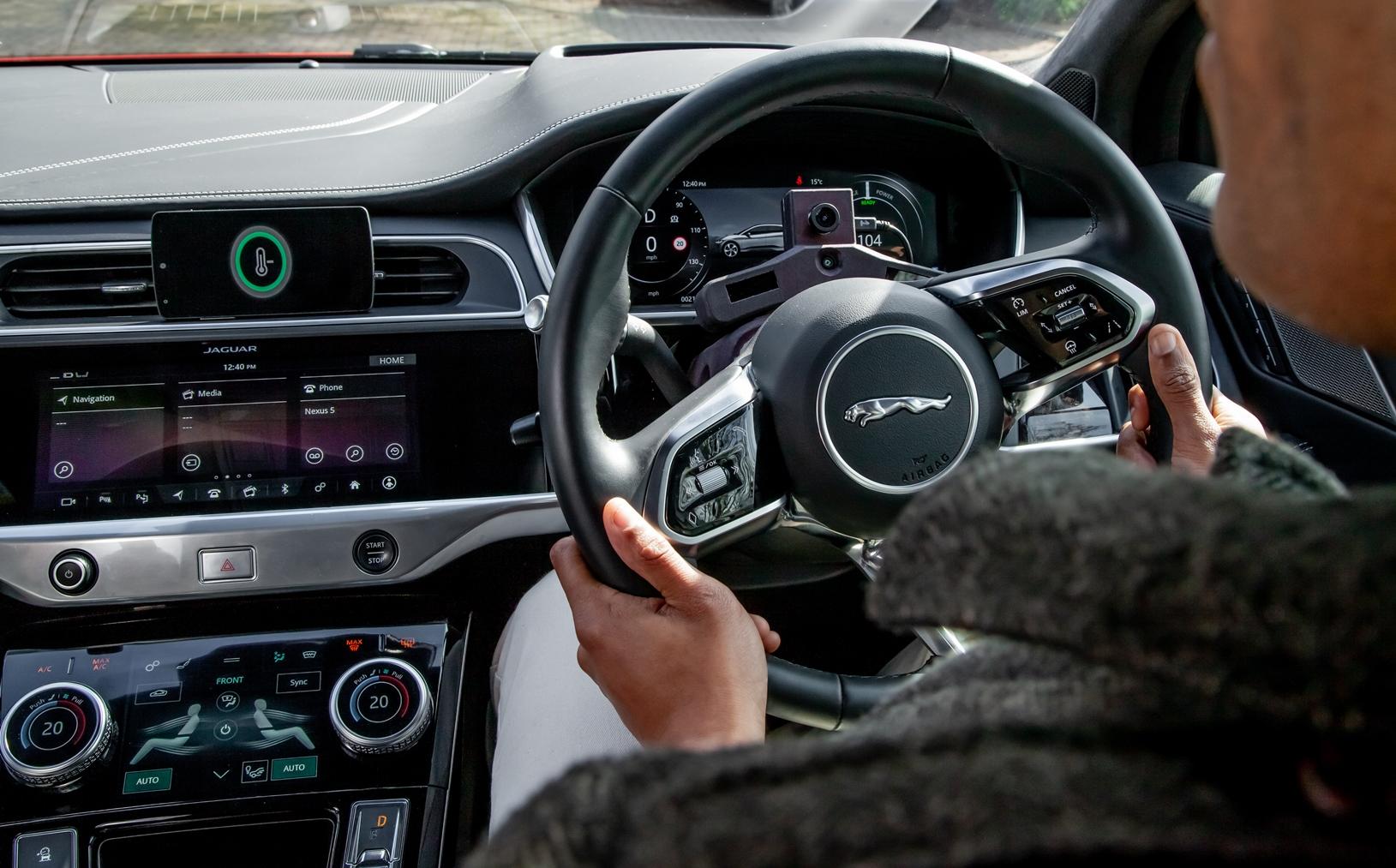 Jaguar Land Rover: la nuova tecnologia per ridurre lo stress thumbnail