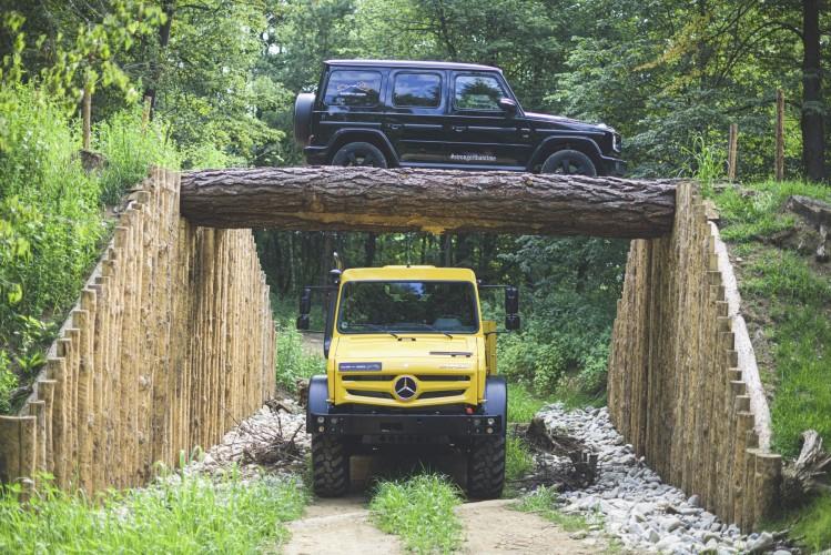 Mercedes Classe G e Unimog: la Storia della Stella, sporca di fango thumbnail