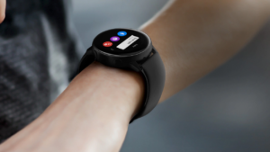 La funzionalità dell'elettrocardiocagramma arriva finalmente sui Samsung Watch  Arriva finalmente in Italia l'App Samsung Health Monitor, che porta sui Samsung Watch nuove funzionalità per la salute degli utenti
