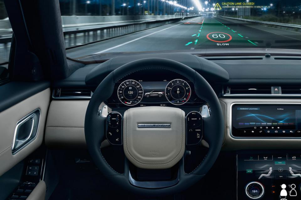 Jaguar Land Rover punta su un nuovo display head-up 3D thumbnail