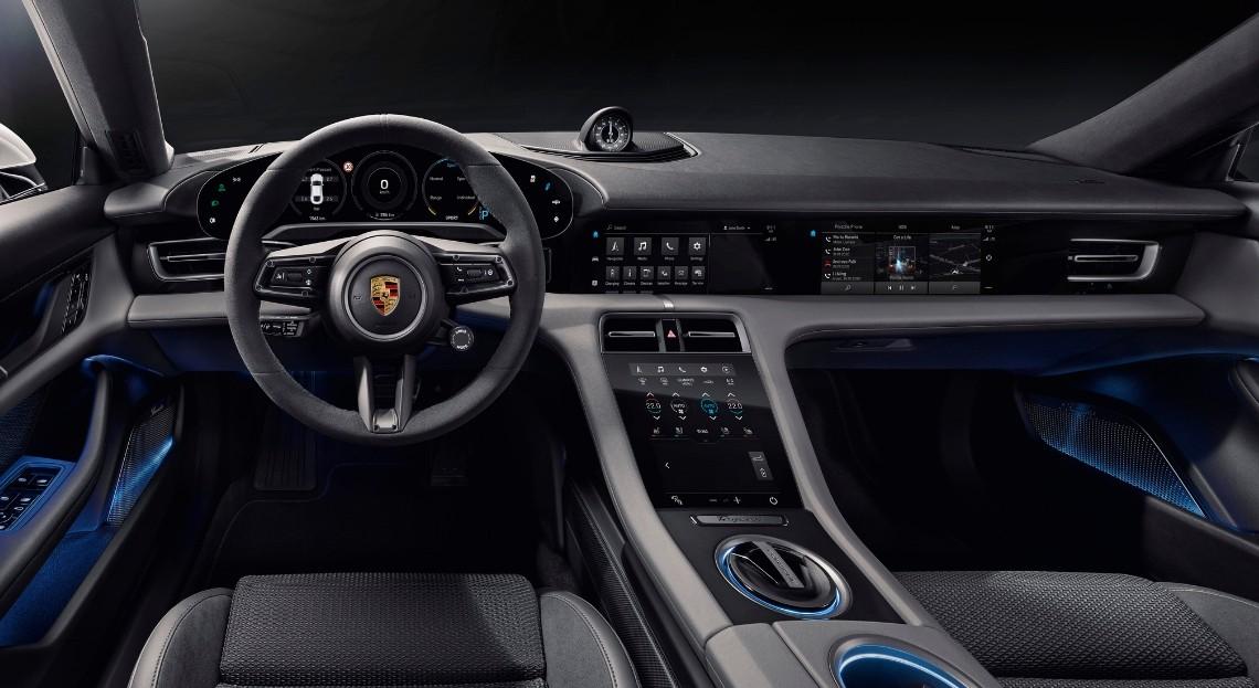 Porsche Taycan: ecco come sarà l'interno della nuova berlina elettrica thumbnail