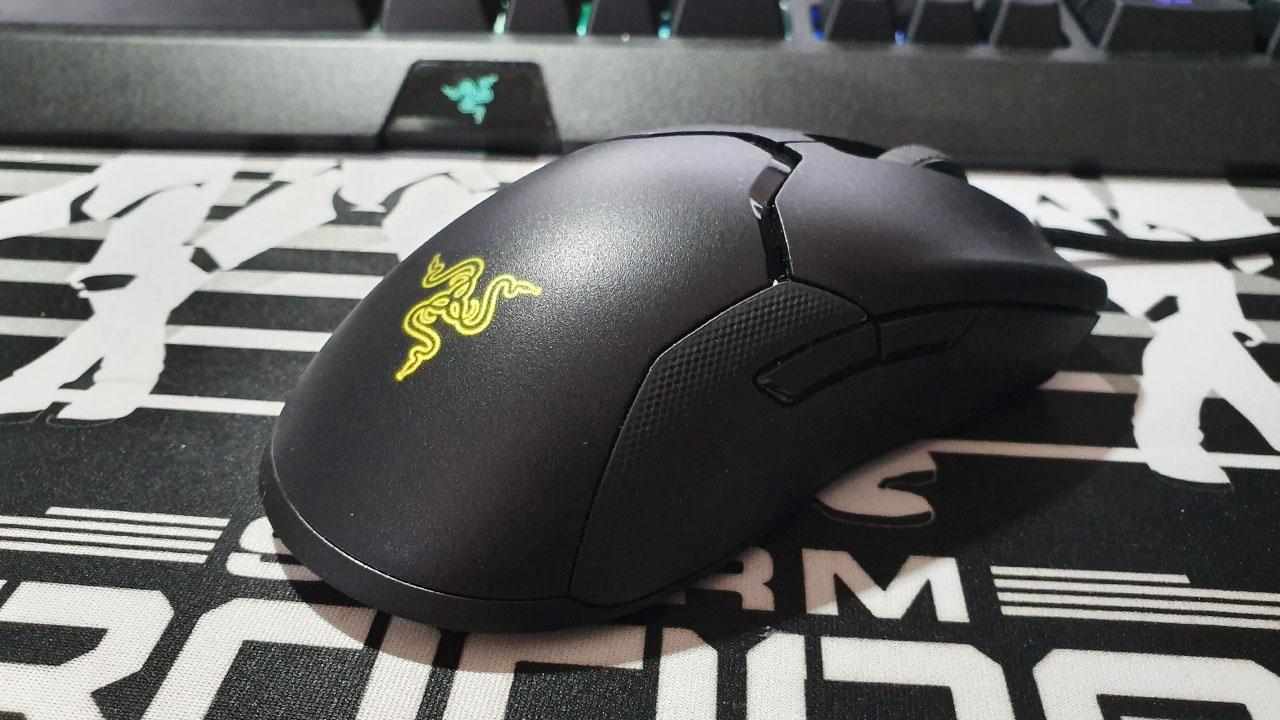 Razer Viper recensione: il mouse da gaming leggero e performante thumbnail