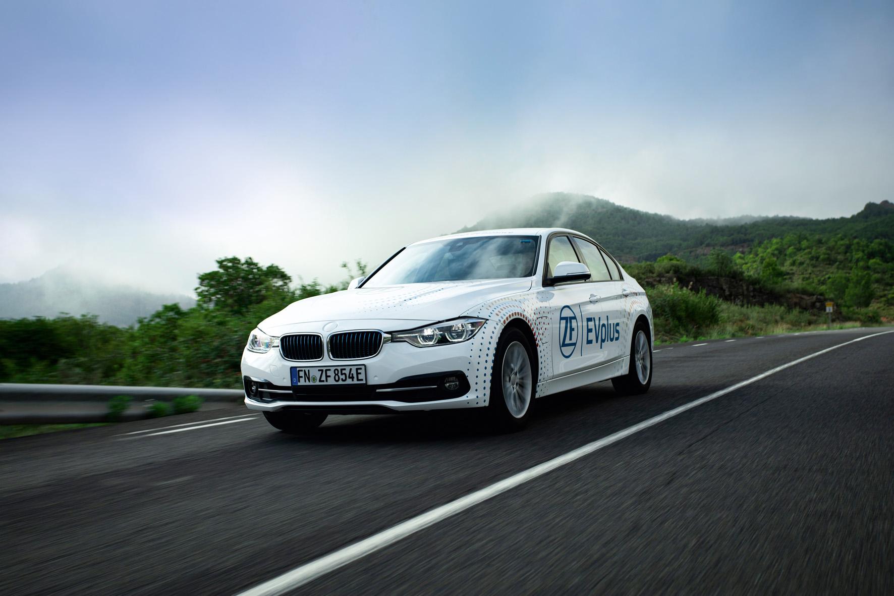EVplus: 100 km di autonomia per l'ibrida plug-in di ZF thumbnail