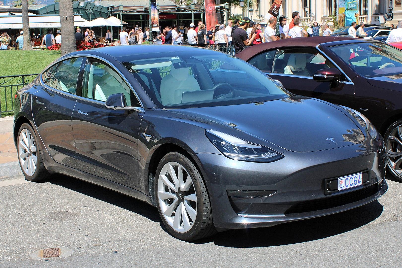 Tesla, con il prossimo update saranno modificabili il clacson... e non solo thumbnail