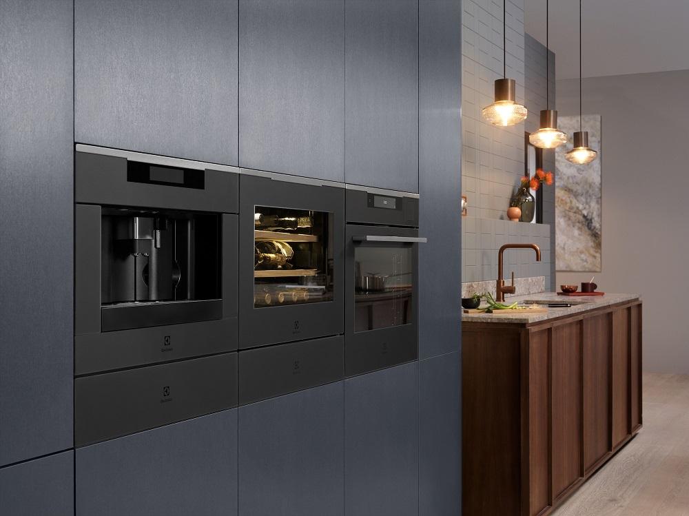 Electrolux presenta i nuovi forni intelligenti che dialogano con l'utente thumbnail