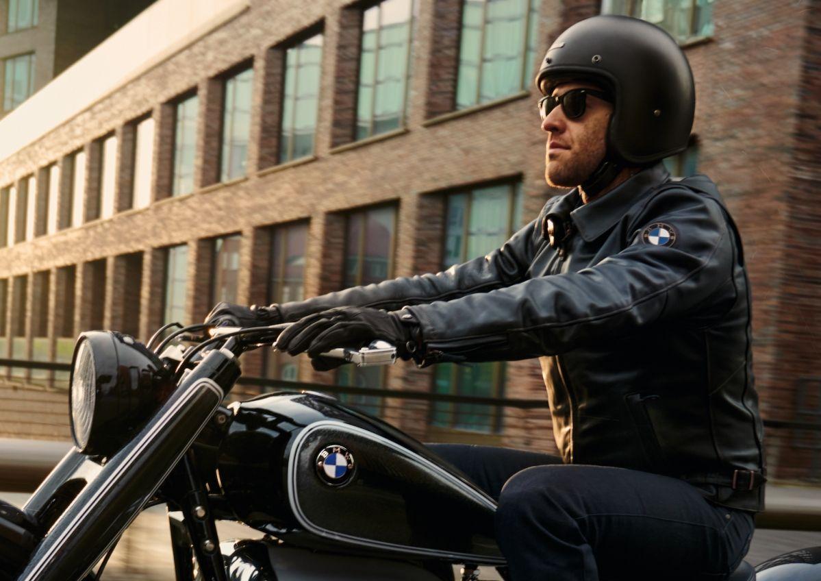 BMW svela la nuova linea di abbigliamento Heritage Collection thumbnail