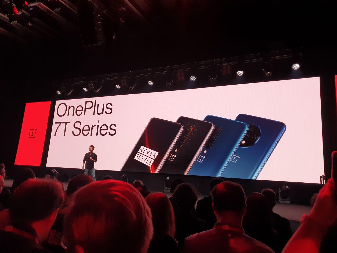 OnePlus 7T Pro ufficiale: caratteristiche, prezzo e disponibilità thumbnail