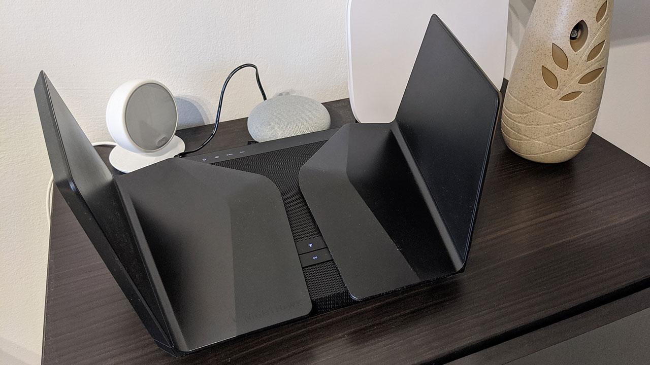 Netgear Nighthawk AX12 recensione: cosa cambia con il Wi-Fi 6? thumbnail