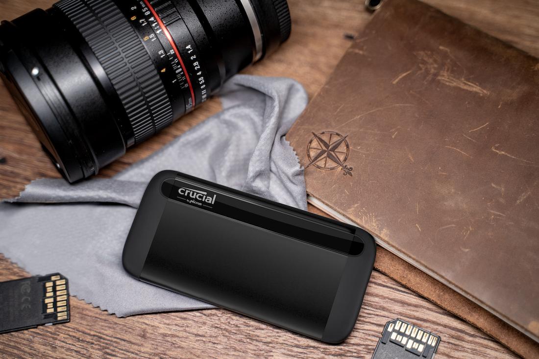 Micron lancia il suo primo SSD portatile: ecco Crucial X8 thumbnail