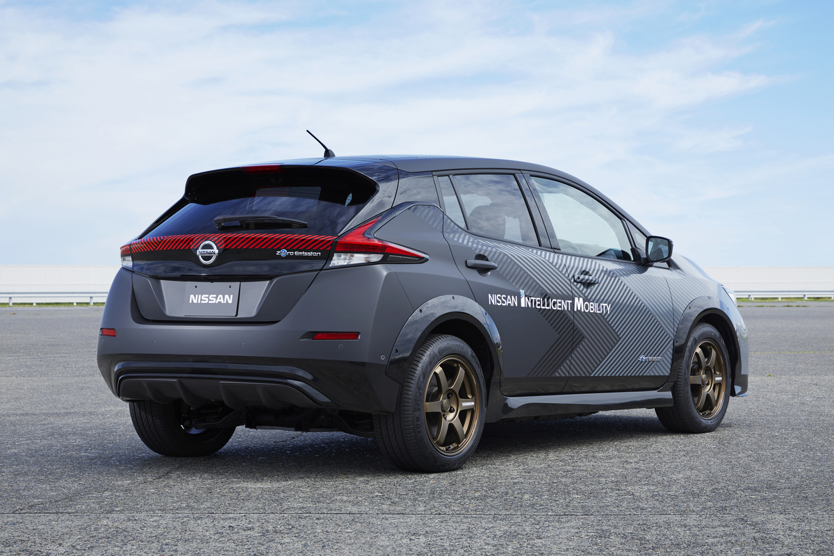 Nissan: pronto un nuovo prototipo full electric thumbnail