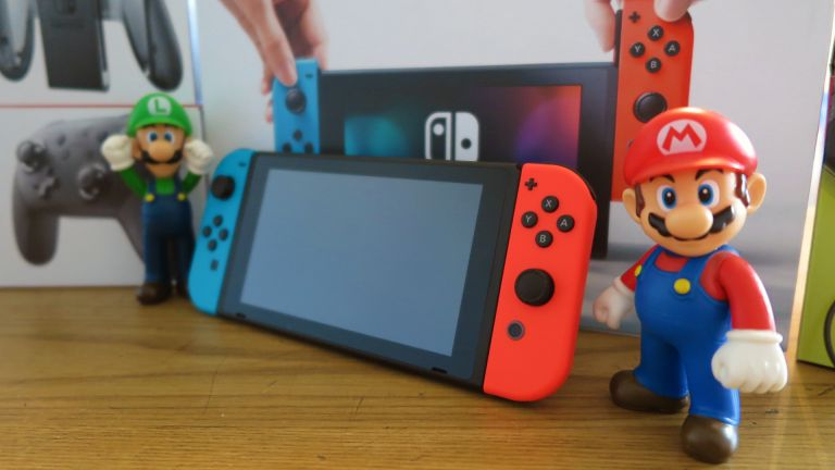 Nintendo usa il pugno di ferro contro la pirateria sulla Nintendo Switch thumbnail