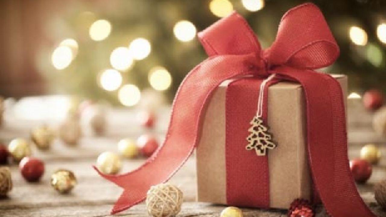Regali di Natale: l'analisi di Idealo sui risparmi online thumbnail