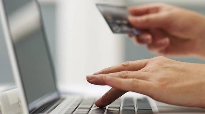 Shopping e furti online: sai come denunciarli e proteggerti? thumbnail