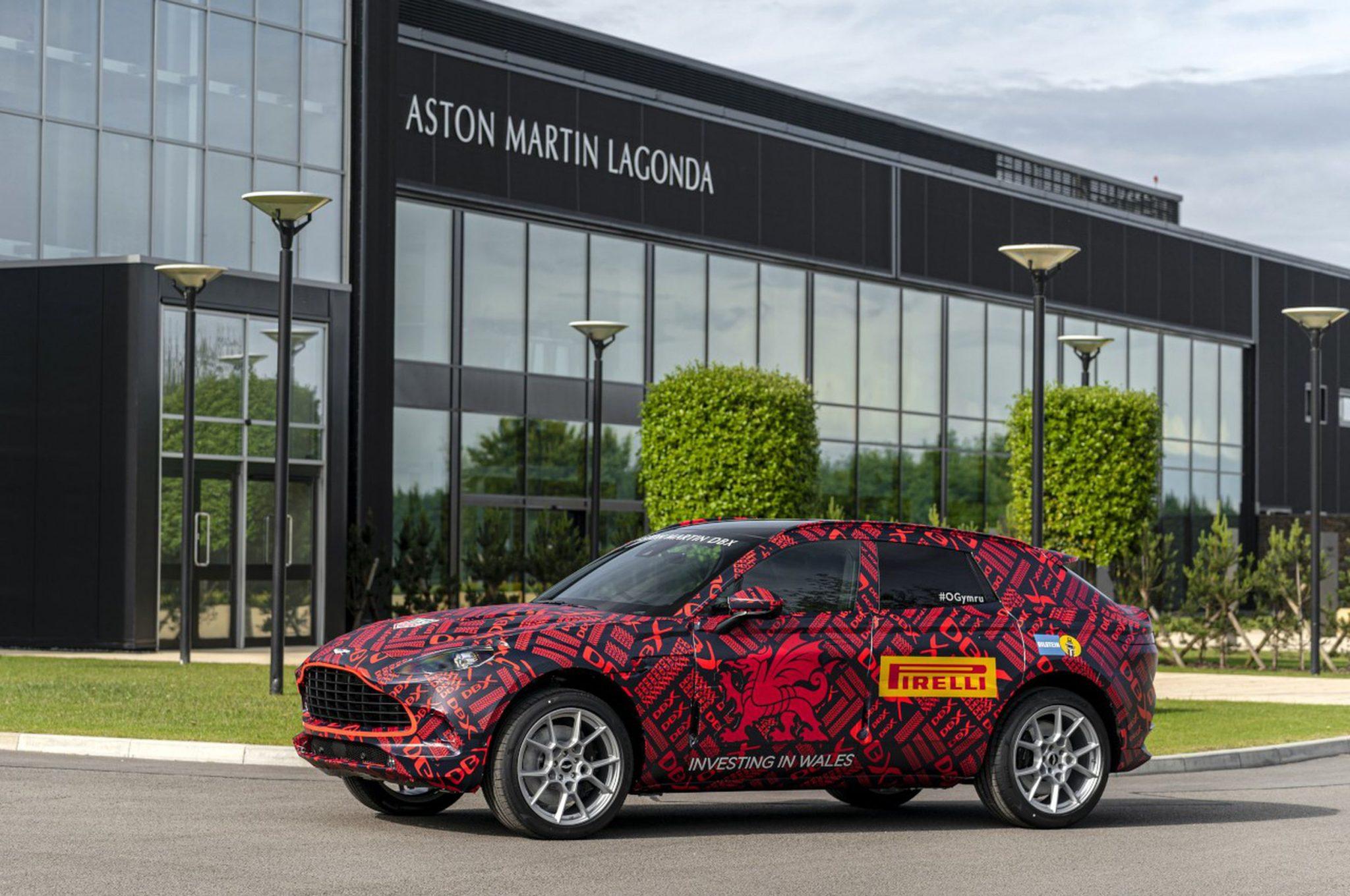 Aston Martin DBX: apre lo stabilimento fatto apposta per lei thumbnail