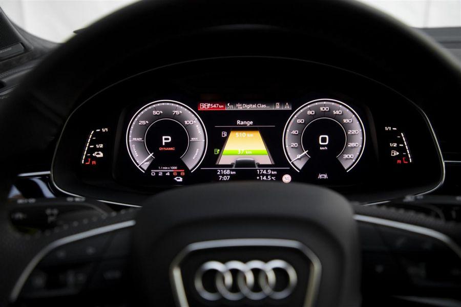 Audi Q7 TFSI e quattro cruscotto